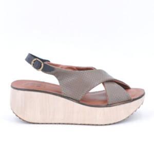 Sandalia kaki con plataforma de goma 1