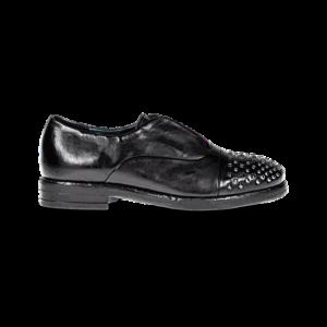 zapato con puntera de tachas 1