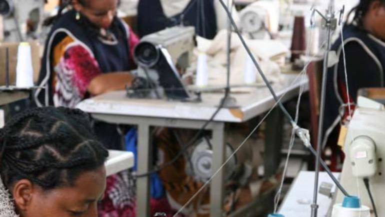 AFAR: las bolsas hechas sin prisa en Etiopia